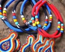 Kleurrijke kettingen